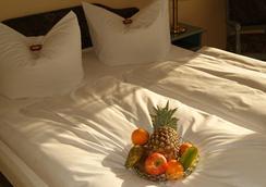 Hotel Larat - Berlin - Bedroom