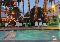 Los Angeles Adventurer All Suite Hotel At Lax - Inglewood - Pool