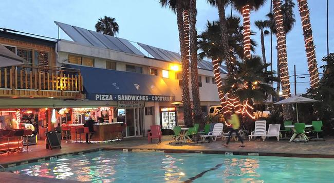 Los Angeles Adventurer All Suite Hotel At Lax - Inglewood - Building