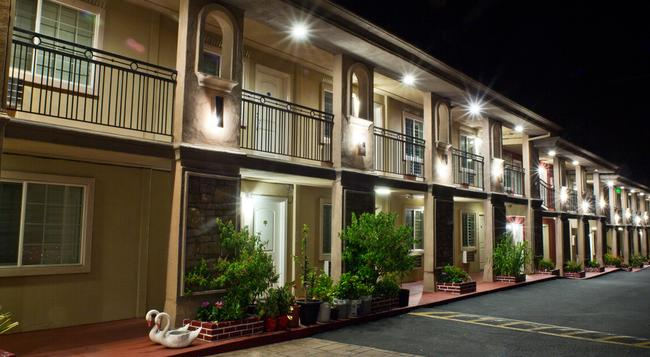 Stone Villa Inn San Mateo - San Mateo - Building