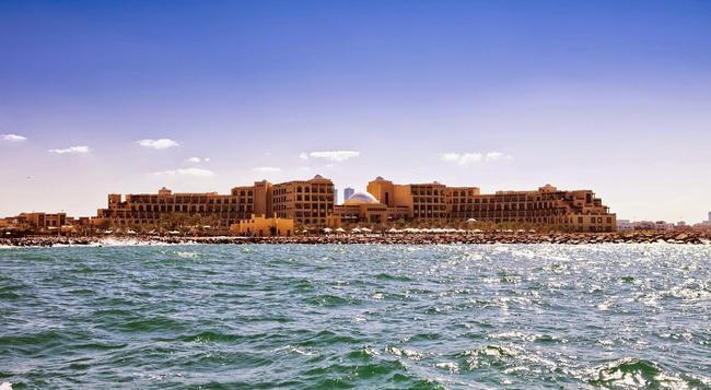 Hilton Ras Al Khaimah Resort & Spa - Ras Al Khaimah - Building