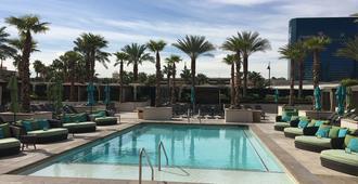 Luxury Suites International at The Signature - Las Vegas - Pool