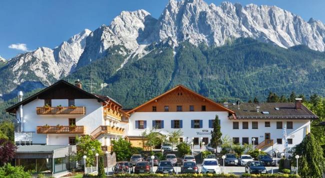 Romantik Hotel Waxenstein - Grainau - Building