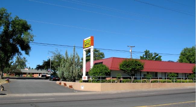 Golden West Motel - Klamath Falls - Building