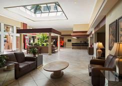 Ramada Kissimmee Gateway - Kissimmee - Lobby