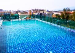 Mirage Express Patong Phuket Hotel - Patong - Pool