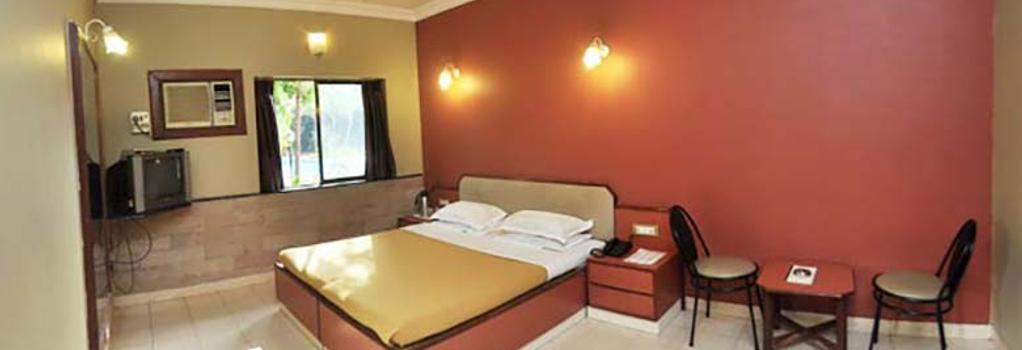 Treasure Island Resort - Lonavala - Bedroom