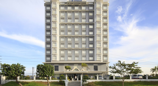 Microtel Inn & Suites by Wyndham Manila/At Mall of - Pasay - Building