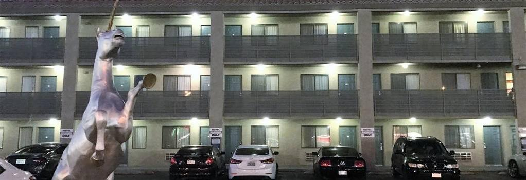 Highland Inn - Las Vegas - Building