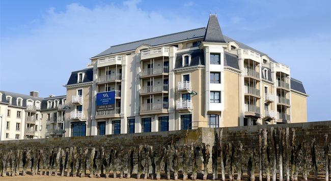 Hôtel Le Nouveau Monde - Saint-Malo - Building