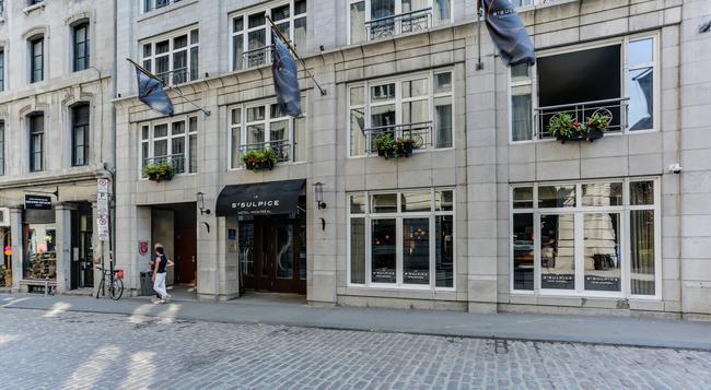 Le Saint Sulpice - Montreal - Building
