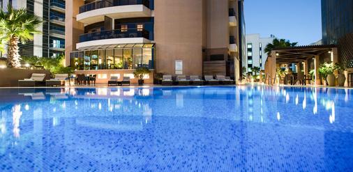 Majestic City Retreat Hotel - Dubai - Pool