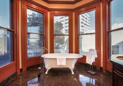 Payne Mansion Hotel - San Francisco - Bathroom
