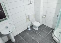 Continental Hotel - Ulcinj - Bathroom