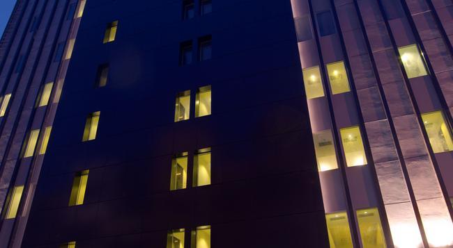 Swiss-Belinn Medan - Medan - Building