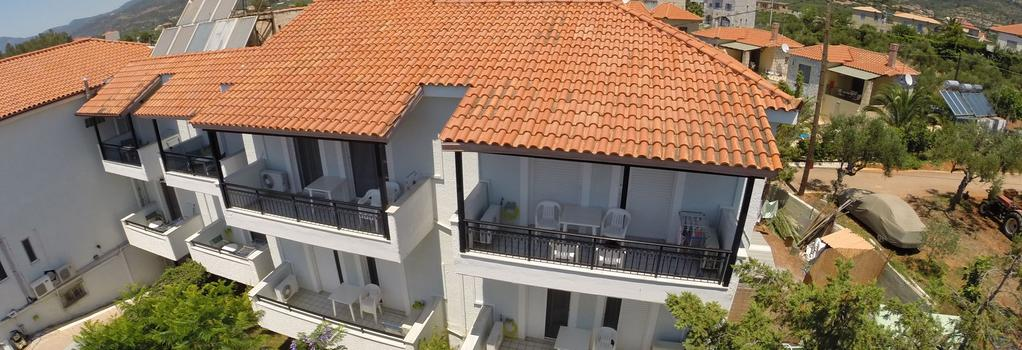 Kleopatra Traditional Hotel Apartments - Stoupa - Building