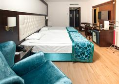 Ege Palas Business Hotel - Izmir - Bedroom