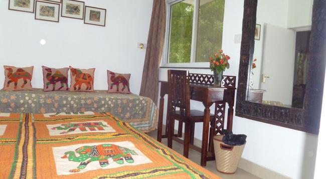 Mayas Nest Hostel - New Delhi - Bedroom