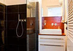 Scuba Lodge & Ocean Suites - Willemstad - Bathroom