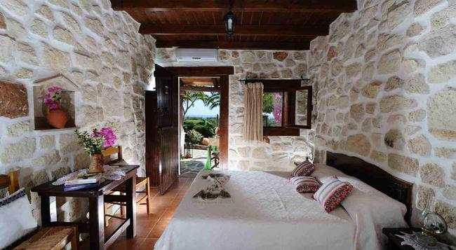 Yiannis Retreat - Sitia - Bedroom