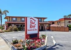 Red Roof Inn & Suites Monterey - Monterey - Outdoor view