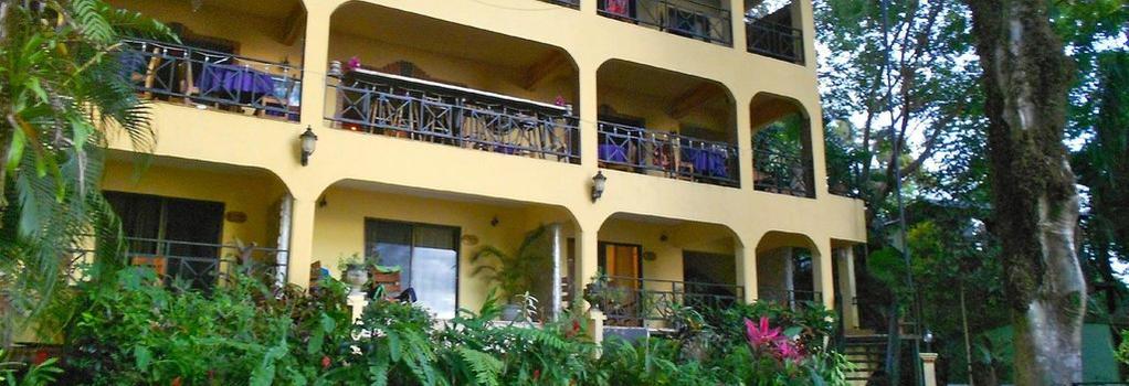 Mango Moon Villa - Manuel Antonio - Building