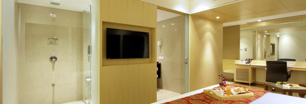 Hotel Express Towers - Vadodara - Bedroom