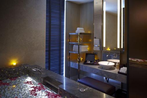 Mandarin Oriental, Singapore - Singapore - Bathroom
