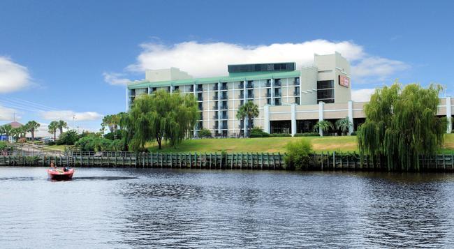 Clarion Hotel - Myrtle Beach - Building