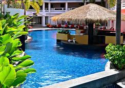 Swissôtel Resort Phuket Patong Beach - Patong - Bar