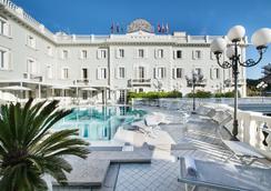 Grand Hotel Des Bains - Riccione - Pool