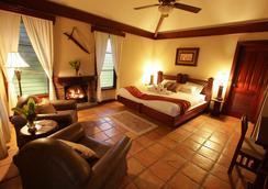 Hidden Valley Inn & Reserve - San Ignacio - Bedroom
