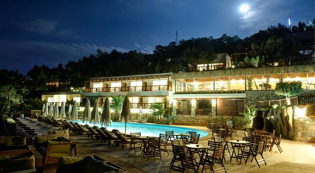 Sarpedor Boutique Hotel & Spa - Torba - Building