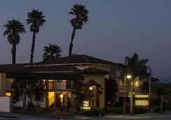 Mission Inn - Santa Cruz - Outdoor view
