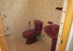 Amara Guest - Mirissa - Bathroom