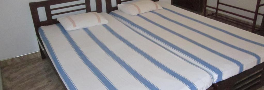 Amara Guest - Mirissa - Bedroom