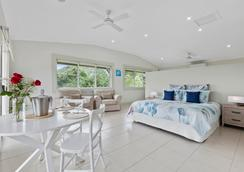 The Country House at Hunchy - Montville - Bedroom