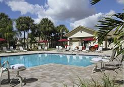 Ramada Hialeah/Miami Airport North - Hialeah - Pool