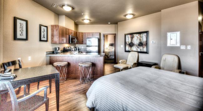Podollan Rez-idence Grande Prairie - Grande Prairie - Bedroom