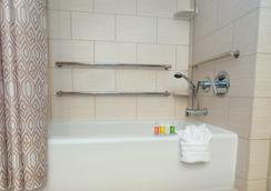 Disney's Polynesian Resort - Lake Buena Vista - Bathroom