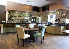 Redac Gateway Hotel In Torrance - Torrance - Bar
