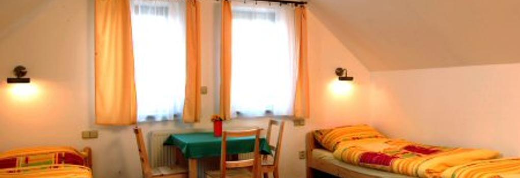 Pension Camp Prager - Prague - Bedroom