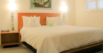 Magic Castle Hotel - Los Angeles - Bedroom