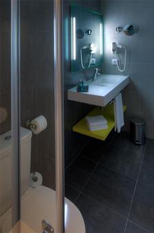 Cristina - El Pas de la Casa - Bathroom