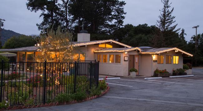Contenta Inn - Carmel Valley - Building