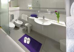 Hotel Ristorante I Castelli - Alba - Bathroom
