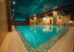 Club Royal Park Hotel - Chisinau - Pool