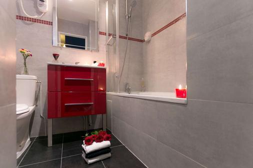 Ideal Hotel Design - Paris - Bathroom