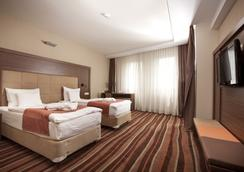 Hotel Makár Sport&Wellness ***/**** - Pecs - Bedroom