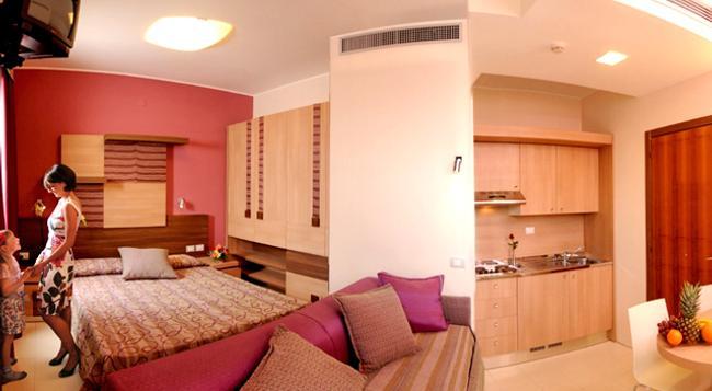 Serena Majestic Hotel Residence - Montesilvano - Bedroom